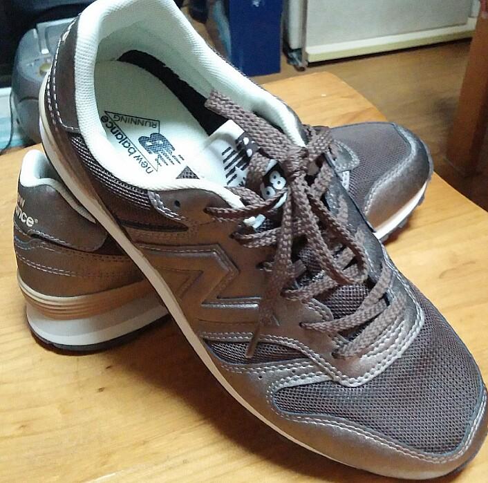 新しい靴を買って貰いました。